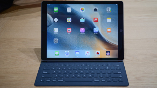 iPad Pro hands-on: Big tablet puts MacBook Air on notice