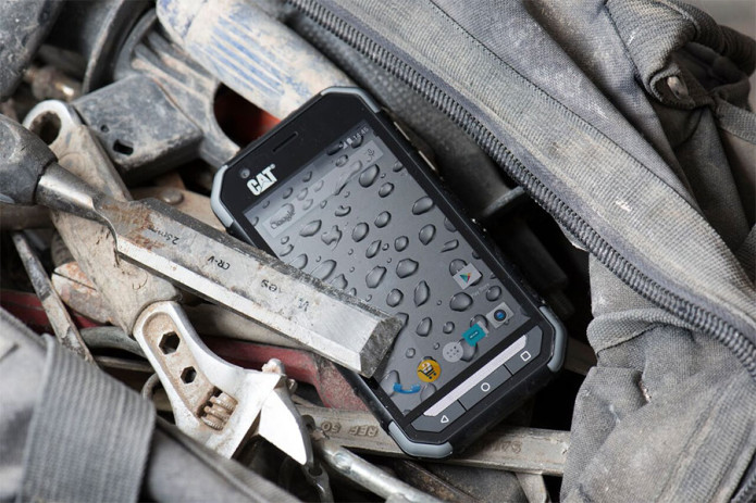 CAT S30 smartphone is military rugged and works with gloves on