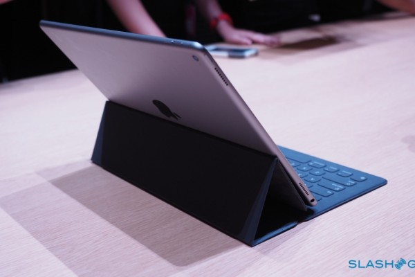 iPad-Pro-keyboard-case-Apple-Event-Product-hands-on-21-1280×7201