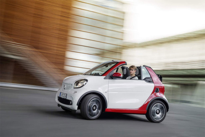 Smart fortwo cabrio to roll into dealers in February 2016