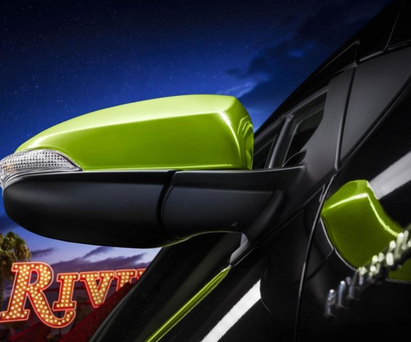 2016-toyota-prius-c-gains-persona-series-special-edition-photo-gallery_2