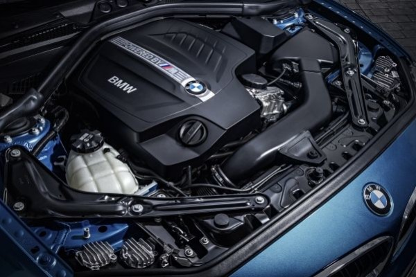 P90199700_lowRes_the-new-bmw-m-twinpo