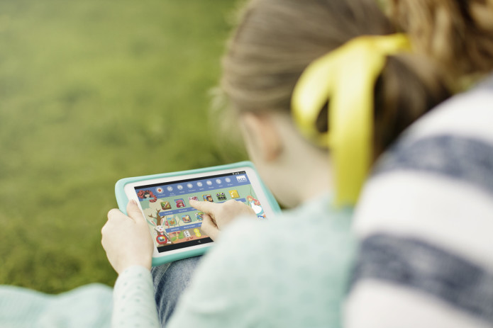 EE Robin tablet aims at kids with robust parental controls