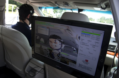 AAA study finds hands-free smartphone features still distract drivers