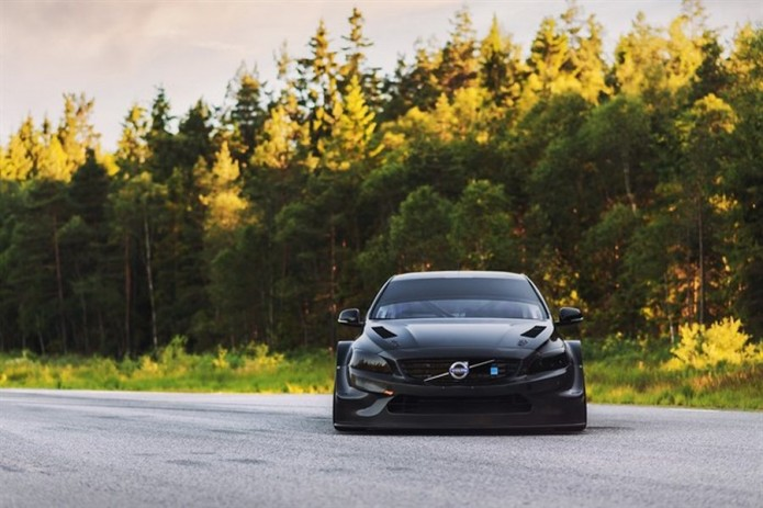 Polestar Cyan Racing enters FIA WTCC Series with S60 Polestar racers