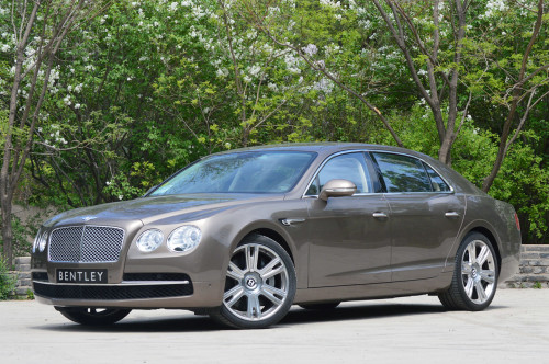 10 Great Luxury Sedans