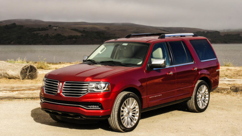 2015 Lincoln Navigator review: Lincoln luxes up the Navigator, doesn't change SUV character