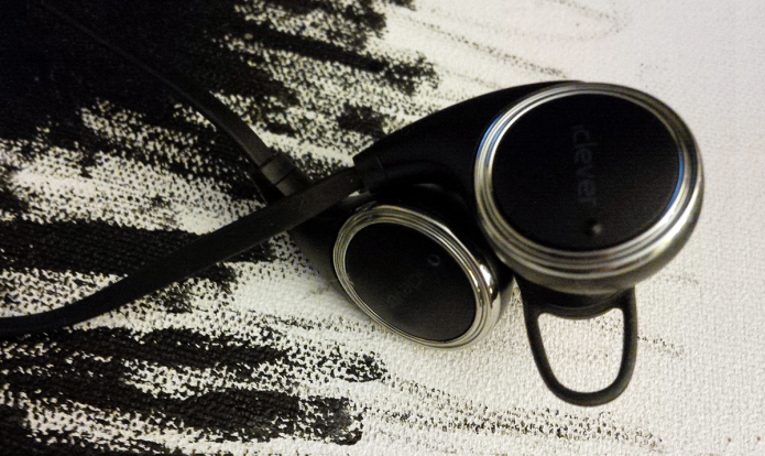 iClever QY8 Bluetooth earbuds mini-review