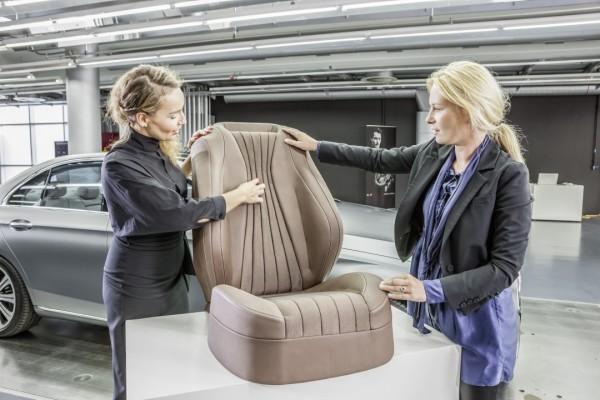 2017-Meredes-Benz-E-Class-Interior5-1080×720