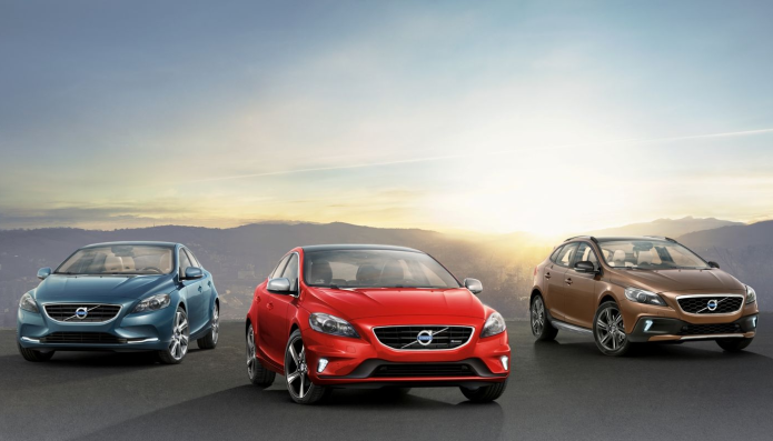 Volvo V40 review : Executive hatchback leads class for safety