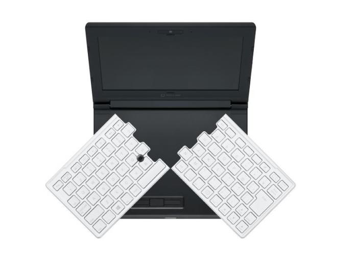 Tiny 8-inch laptop has slick 12-inch folding keyboard