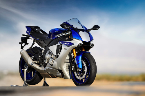 2015 Yamaha YZF-R1 & R1M First Ride Review