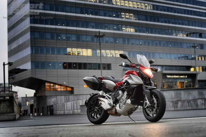 2015 MV Agusta Stradale 800 First Ride Review