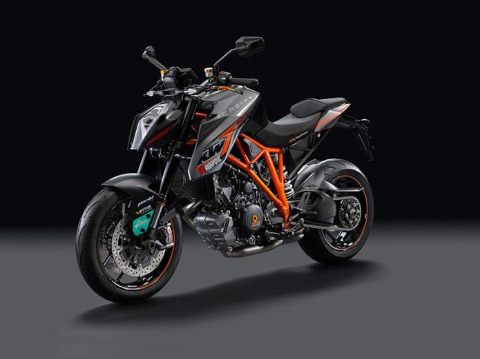 2015 KTM 1290 Super Duke R Track Ride Review