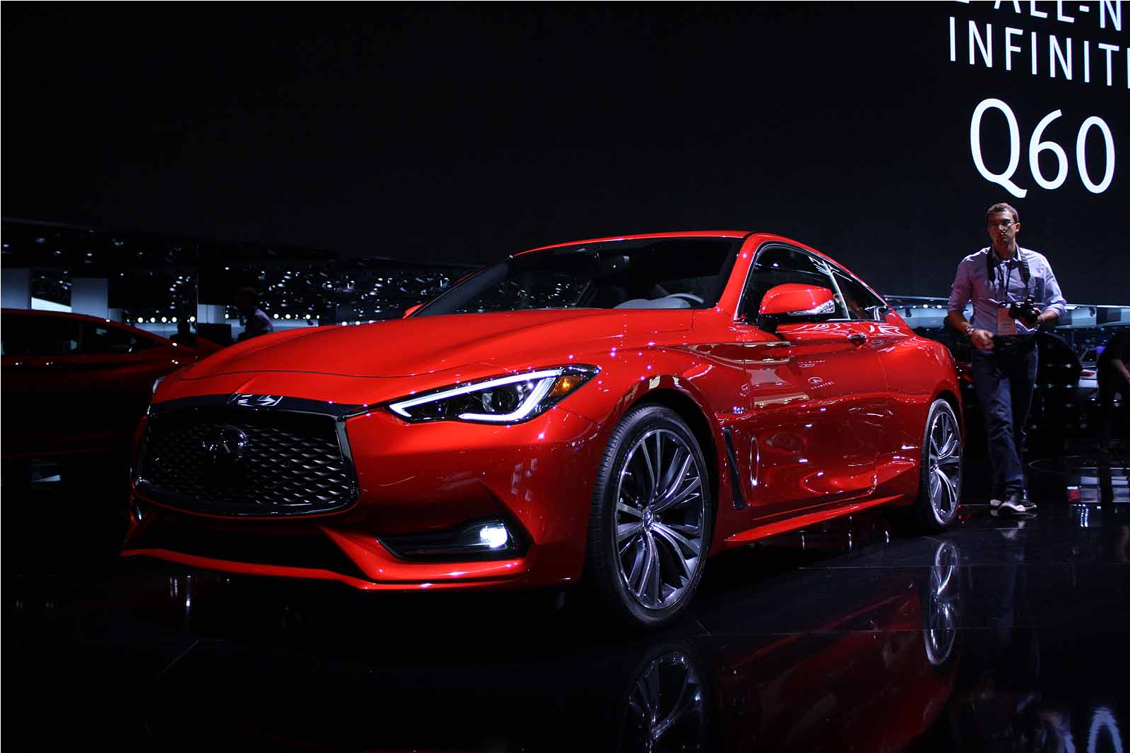 2017 infiniti q60 sports coupe first look gearopen. Black Bedroom Furniture Sets. Home Design Ideas