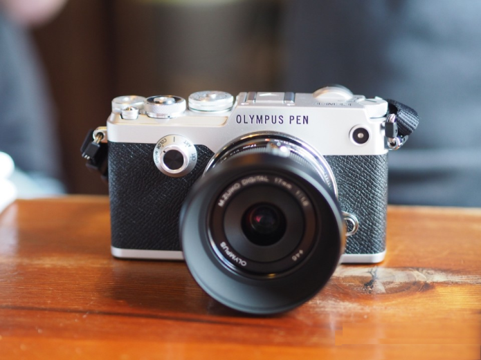 Olympus PEN-F hands-on Review : Retro Reloaded