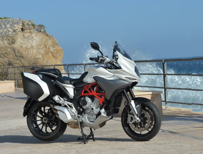MV Agusta Turismo Veloce 800 First Ride Review