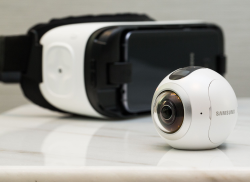 Gear 360 Camera Hands-on Review : VR Selfies for All