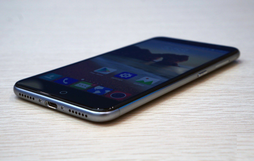 ZTE Blade V7 Hands-on Review : All about that metal, that metal, no plastic