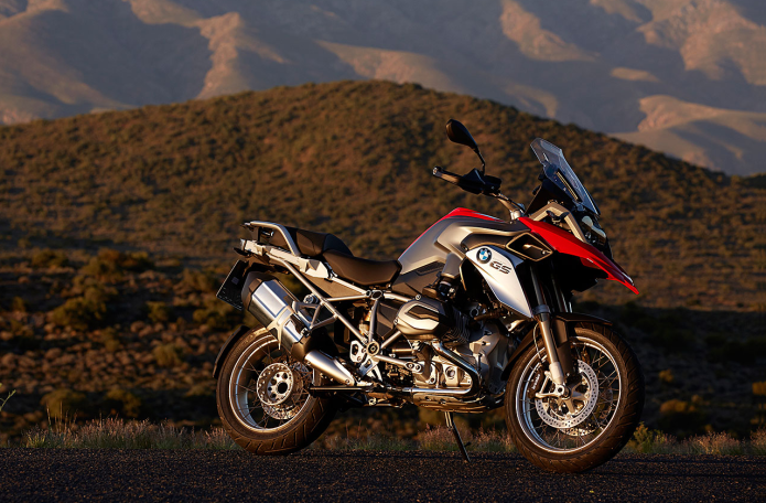 BMW R1200GS First Ride Review | GearOpen