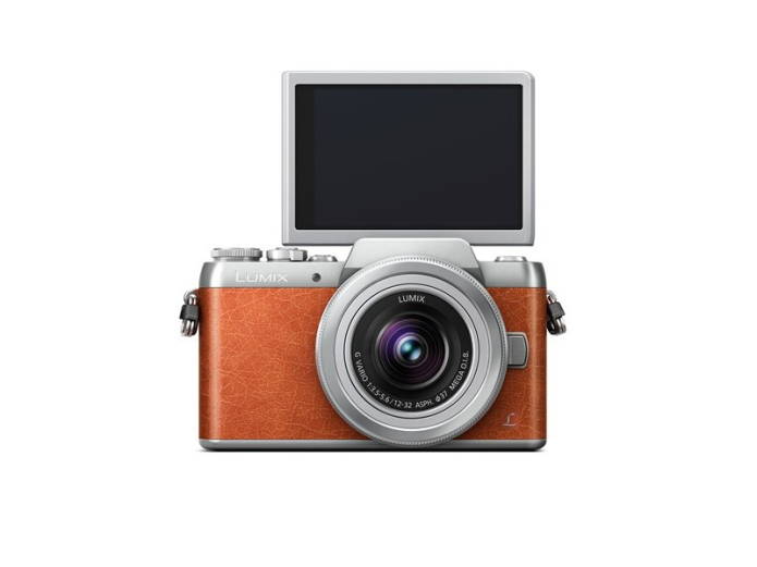Panasonic Lumix DMC-GF8 puts even more emphasis on selfies