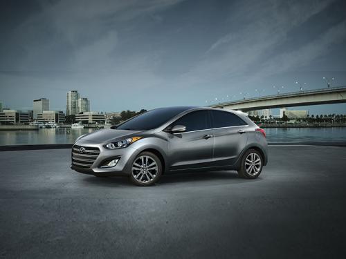 2016 Hyundai Elantra GT Review : A Tough Sell at $26,000