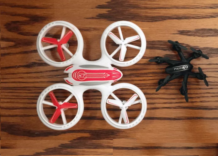 Odyssey Toys X-7 Microlite review : Sprightly microdrone lights up the night