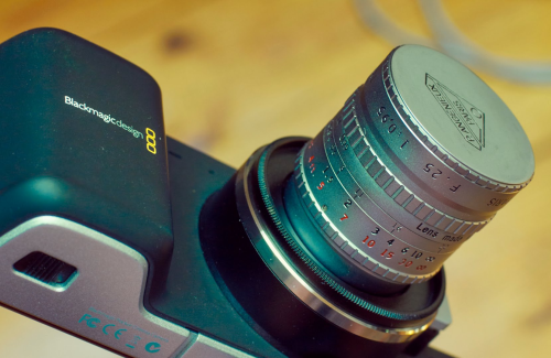 Review : The Angenieux 25mm f/0.95 Was Used for NASA Moon Photos