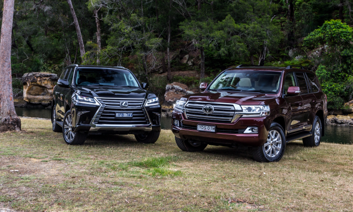 2016 Toyota LandCruiser 200 Series v 2016 Lexus LX570 Comparison Tests