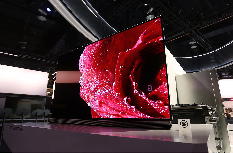 lg signature g6 oled 4k tv review the best gets more colorful gearopen. Black Bedroom Furniture Sets. Home Design Ideas