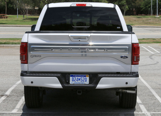 2016-ford-f-150-limited-4×4-back-full-970×647-c