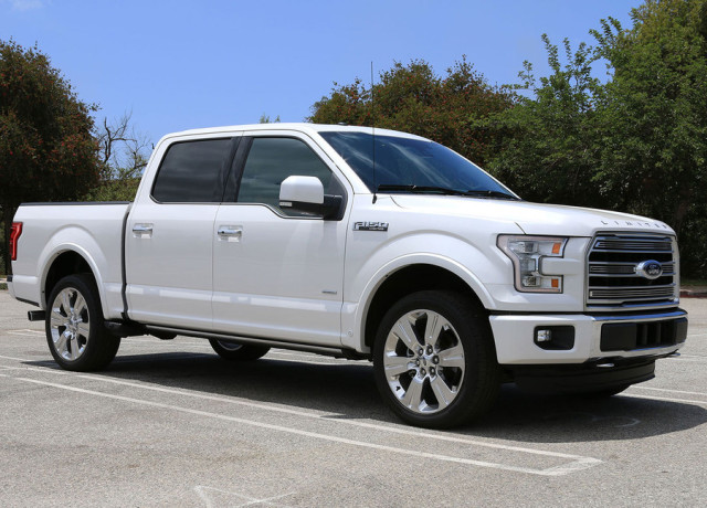 2016-ford-f-150-limited-4×4-side-angle-970×647-c