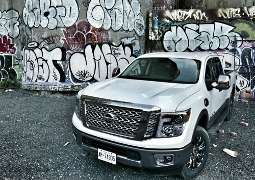 2016 Nissan Titan XD Review : Not-quite HD pickup makes cannonball splash