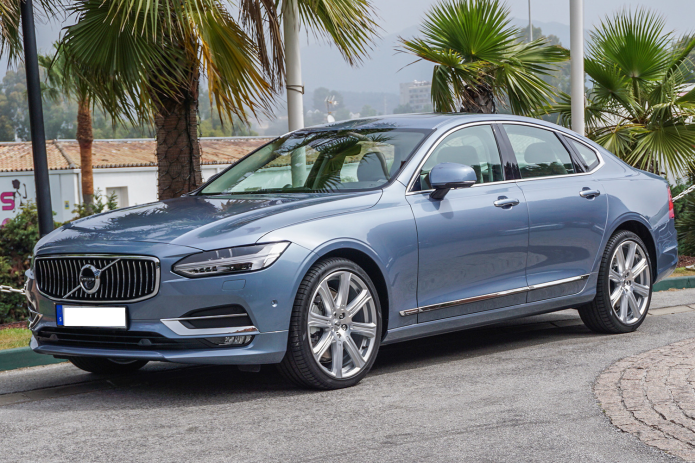 2017 Volvo S90 Review : Living the (Nearly) Self-Driving Life