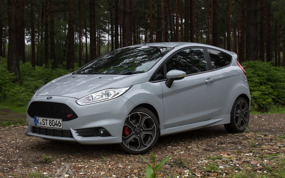 ford fiesta st200 first drive irresistible overboost fun. Black Bedroom Furniture Sets. Home Design Ideas