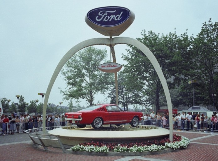 1964_Worlds_Fair_Ford_Exhibit_1965_Mustang_neg_CN3430-805-1024x756
