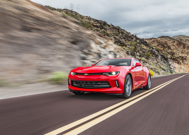 2016-Chevrolet-Camaro-RS-front-three-quarters-in-motion
