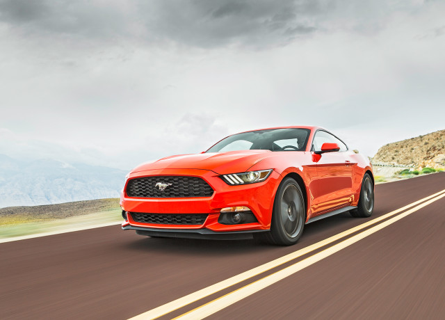 2016-Ford-Mustang-EcoBoost-front-three-quarter