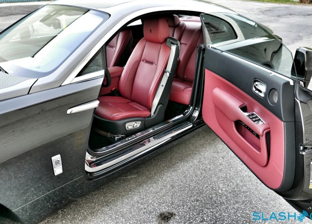 2016-Rolls-Royce-Wraith-review-photo-SlashGear00009