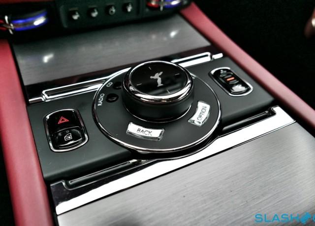 2016-Rolls-Royce-Wraith-review-photo-SlashGear00015