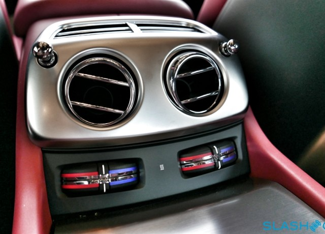 2016-Rolls-Royce-Wraith-review-photo-SlashGear00017