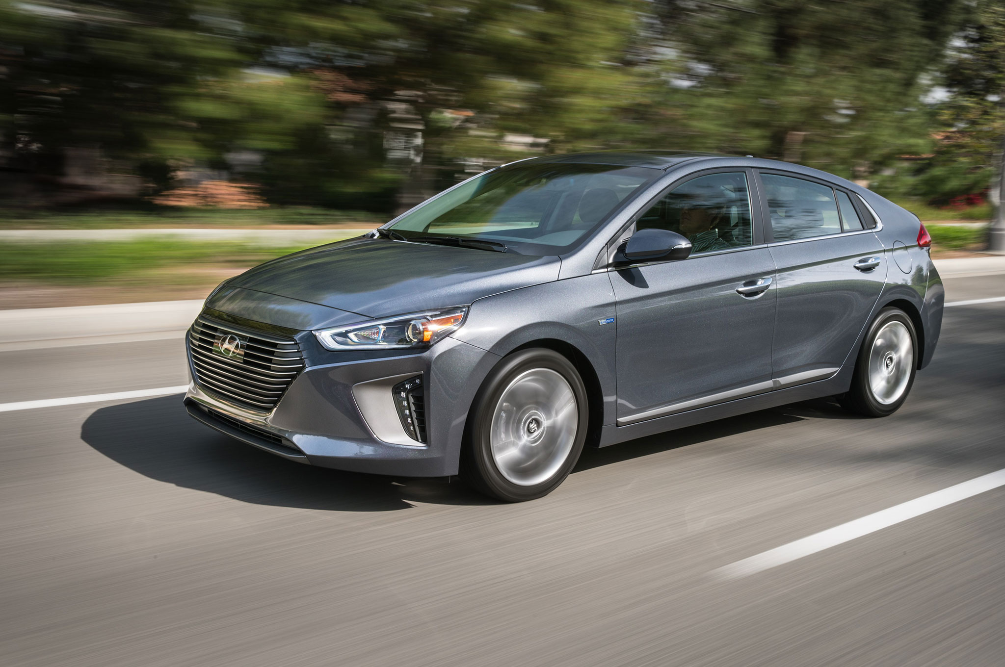 Hyundai Ioniq Hybrid Review Hitting The Road In S Hy Gearopen