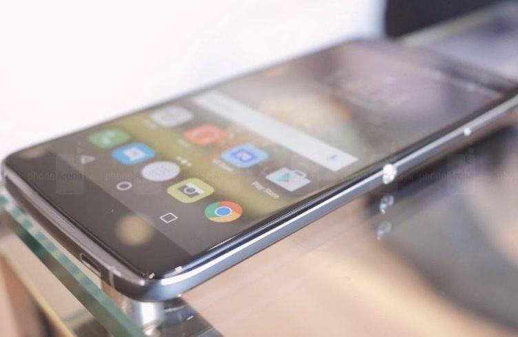 BlackBerry-Neon-Hamburg-1-752x490