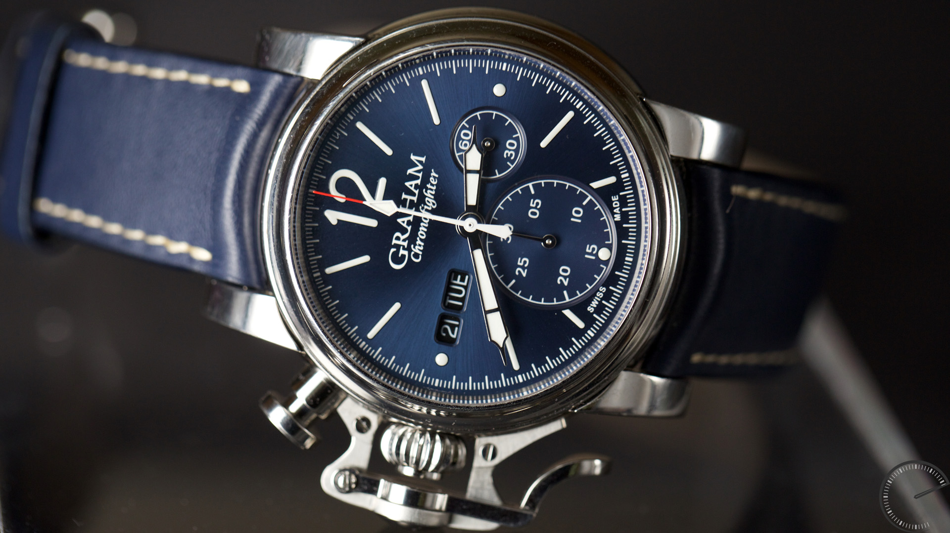 blog watches graham oversize gmt amj review chronofighter