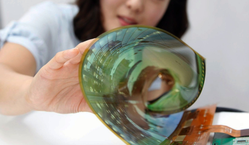 LG working on foldable phone that doubles as a tablet