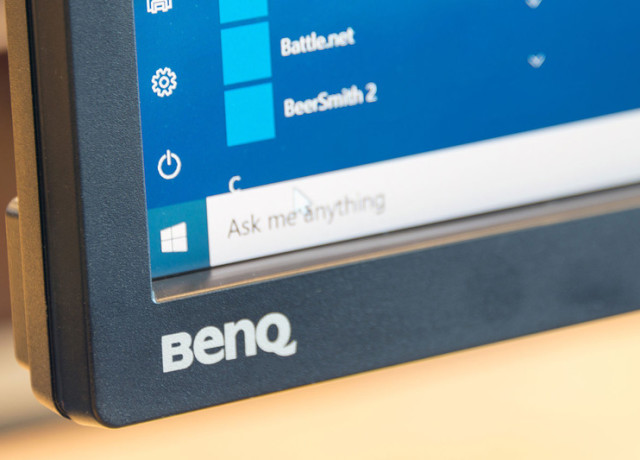 benq-pv3200pt-4k-monitor-logo-800×533-c