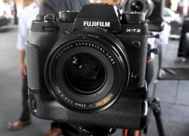 fujifilm_xt-2_launch-event_1-970×647-c