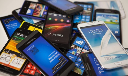 7 Smartphones That Can Survive the Most Abuse