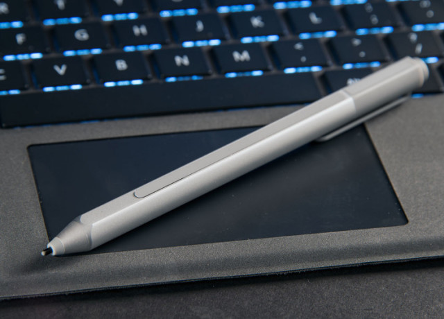 microsoft-surface-pro-4-pen-trackpad-800×533-c