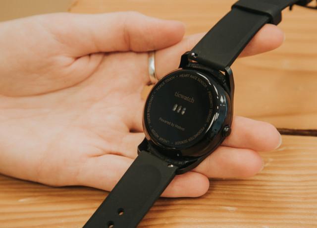 mobvoi-ticwatch-2-0022-800×533-c
